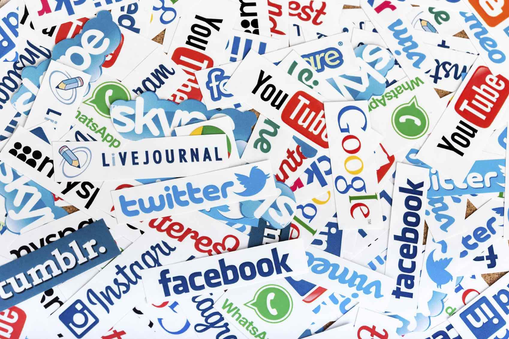 Rețelele de socializare nu își asumă responsabilitatea apărării democrației în online