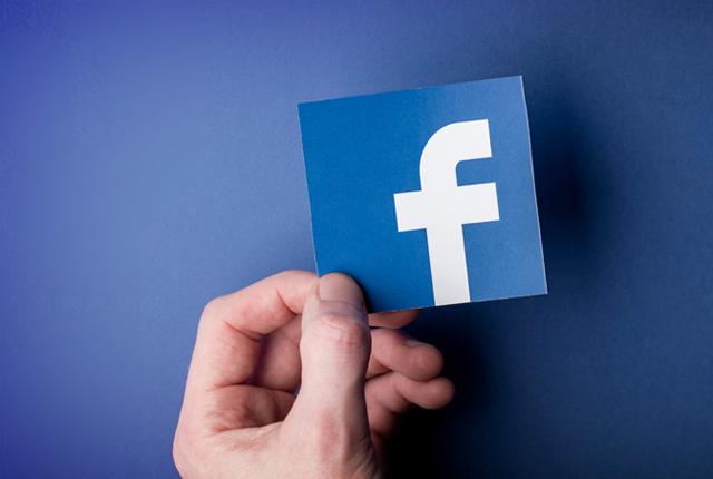 Eforturile Facebook n-au dat roade: știrile false nu au dispărut