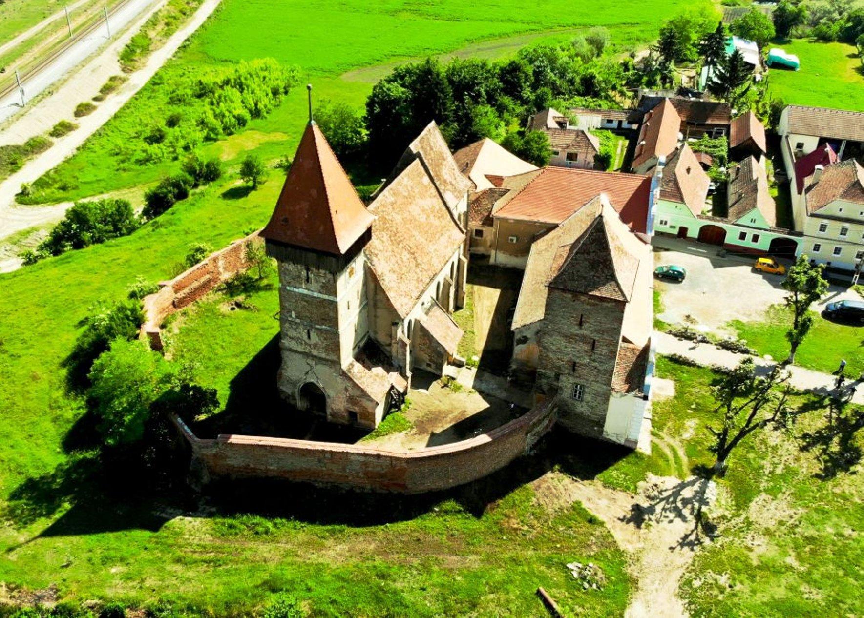 """""""Medievistica"""" reevaluează întreaga arhitectură a Mănăstirii Putna! CULISELE proiectului EXCLUSIV"""