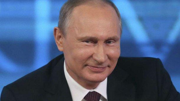 Viralul zilei: cavalerism marca Putin – o umbrelă cât un ego