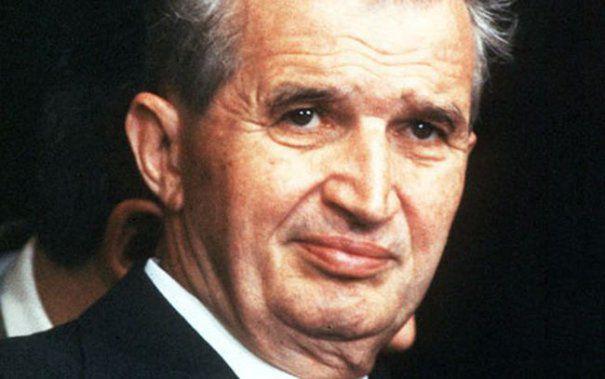 Ceaușescu n-a murit, el trăiește printr-o pagină de Facebook omagială