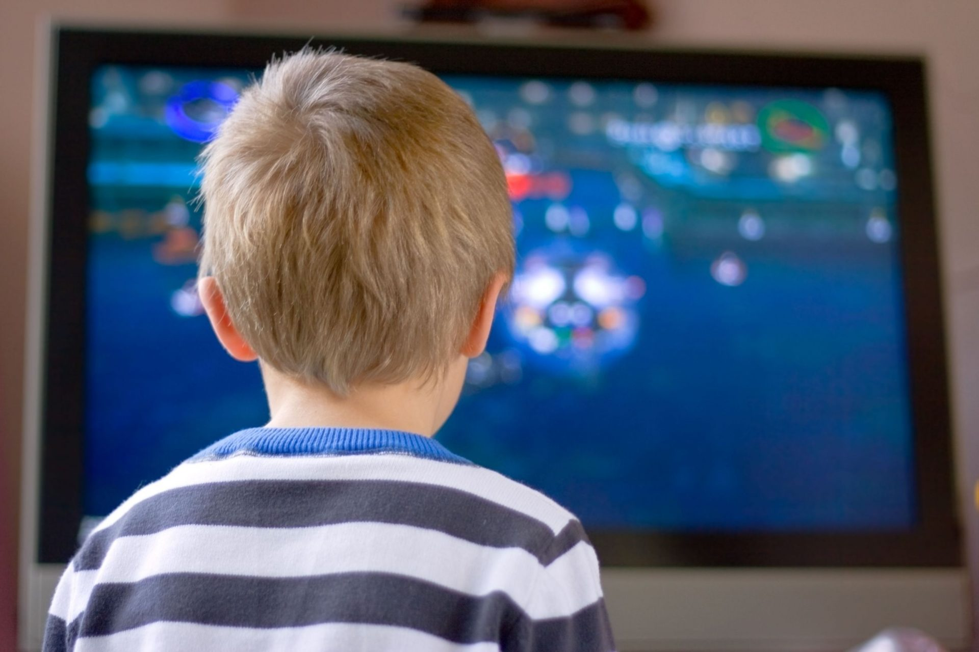 """""""Autismul virtual"""", afecțiunea de care suferă copiii lăsați excesiv în fața ecranelor EXCLUSIV"""
