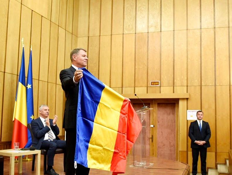 Iohannis, criticat în presa din Ungaria: Vrea să fie mai român decât românii
