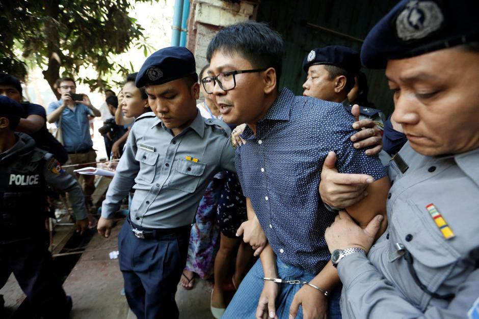 Jurnalişti Reuters condamnaţi la 7 ani de închisoare în Myanmar pentru violarea de secrete de stat