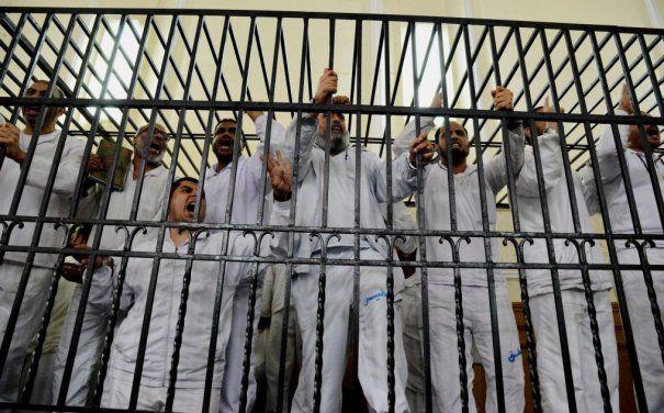 Decizie scandaloasă: Zeci de persoane condamnate la moarte în Egipt