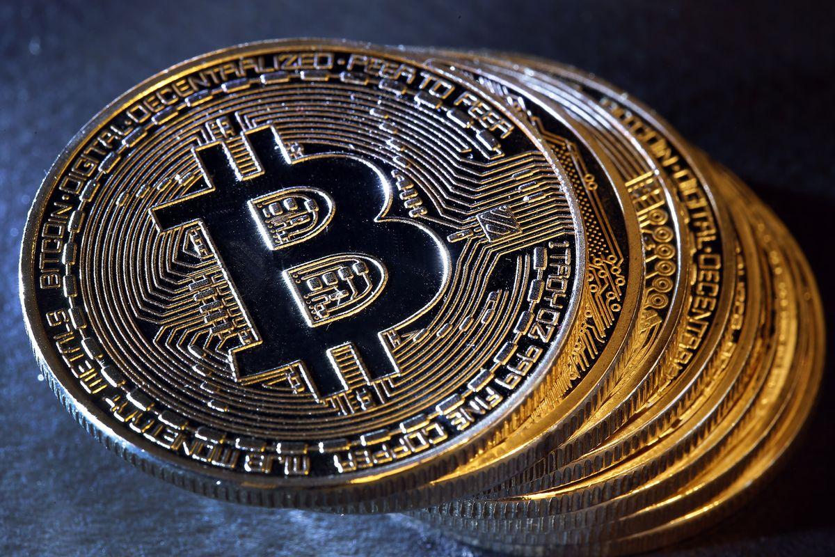 Bitcoin împlinește zece ani – istoria celei mai de succes criptomonede EXCLUSIV