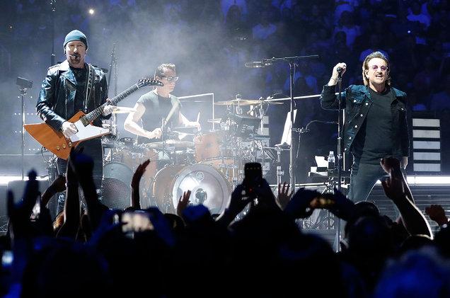 Protestele din București, în concertele celebrei formații U2