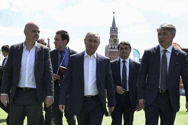 Tolo.ro: Guvernul României dă bani să-l aducă pe omul lui Putin la București
