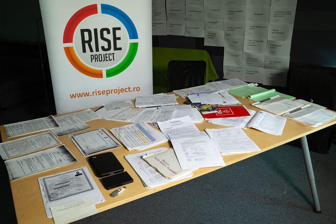 Vor fi sau nu amendați jurnaliștii RISE Project? UE a luat o decizie – pe care n-a publicat-o încă
