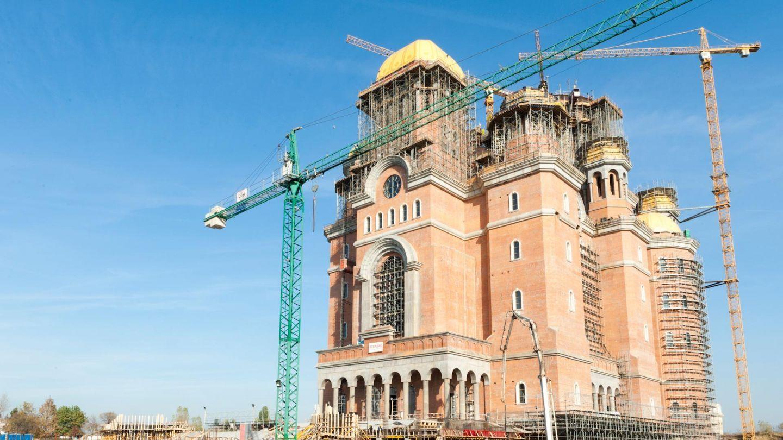 Sfințirea Catedralei Mântuirii Neamului, văzută de presa străină: bani de la buget și îmbulzeală