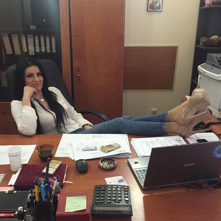 """Un director TelDrum vrea """"să fie dat uitării"""" – va dispărea Nicoleta Pene complet din presă? EXCLUSIV"""