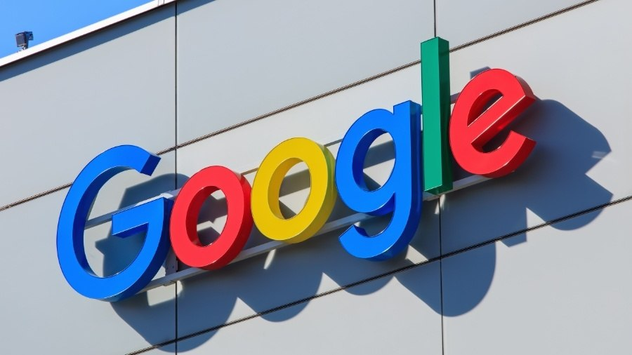 """Google va lansa primul """"radio"""" cu inteligență artificială"""