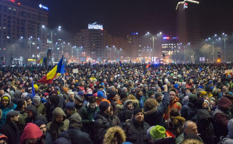 România, țara cu cei mai mulți patroni de presă care au trecut prin PUȘCĂRIE sau sunt urmăriți penal!