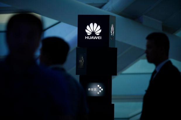 Un director al Huawei, arestat în Polonia pentru spionaj