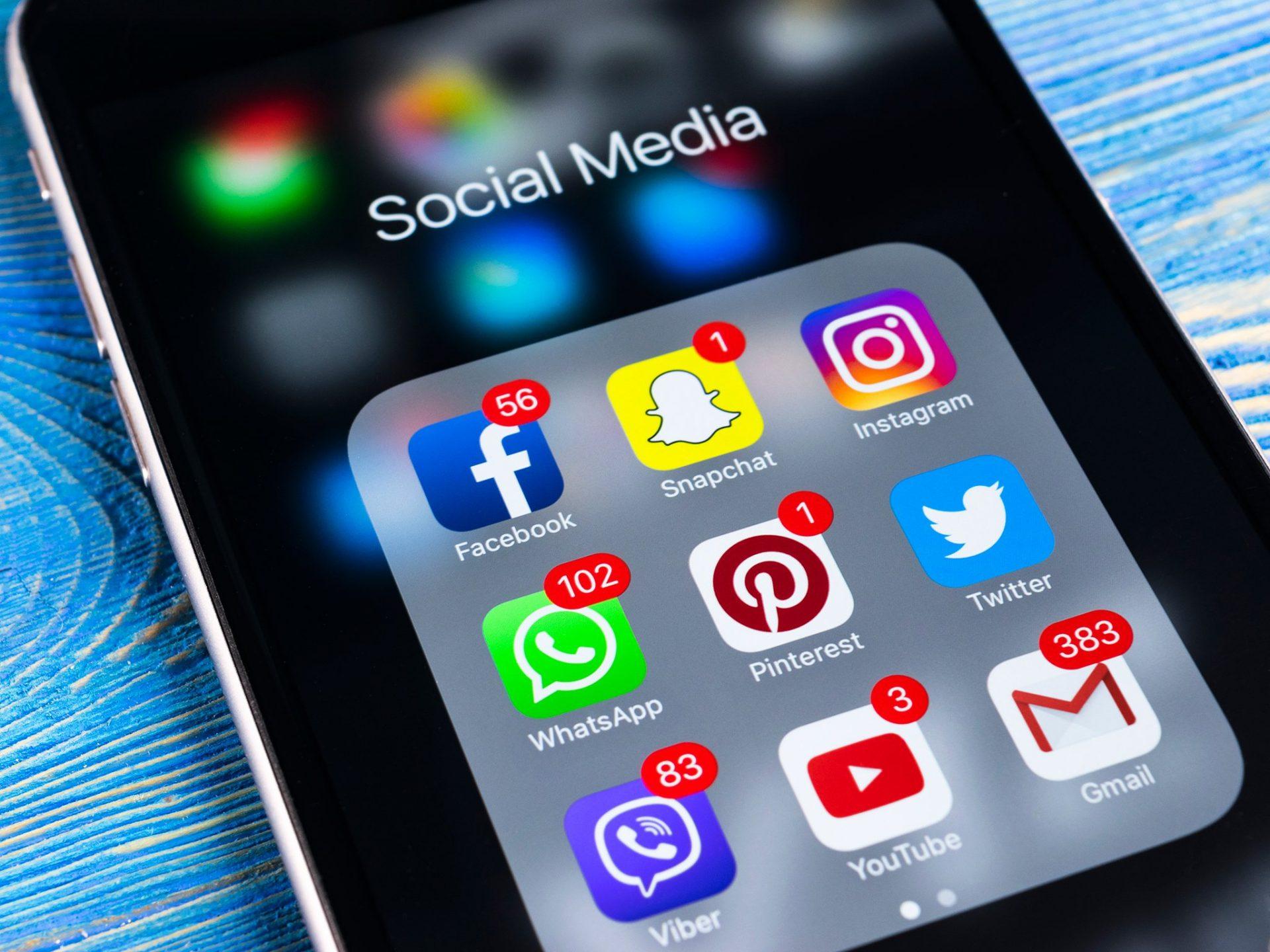 """Uganda a introdus """"taxa pe social media"""" – și nu are tocmai efectul scontat"""