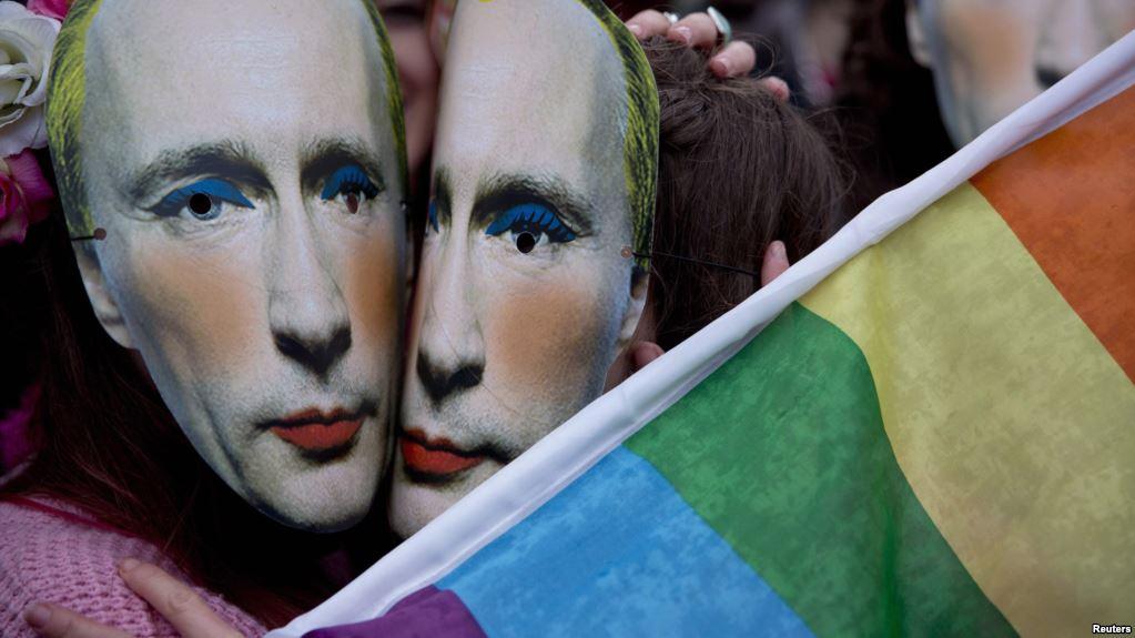 """Cinci publicații ruse, somate să scoată o """"știre falsă"""" despre Vladimir Putin"""