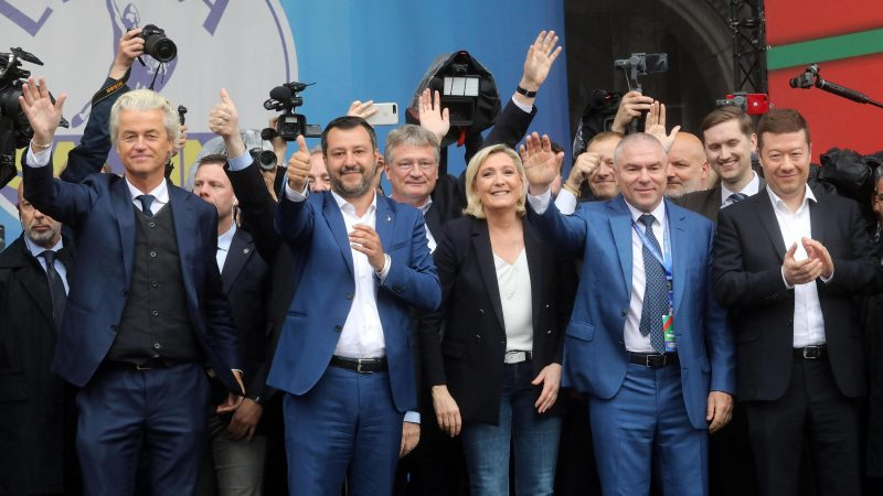 Legătura din extrema-dreaptă, fake news și ce ar putea însemna pentru alegerile europarlamentare