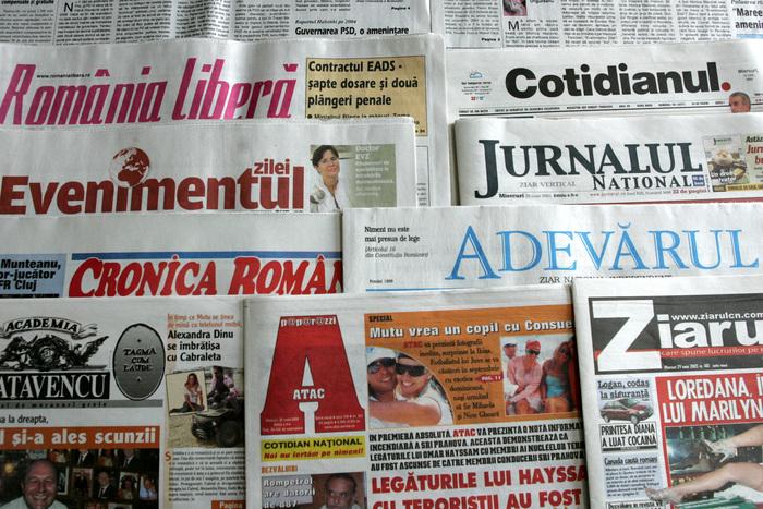 Credibilitatea presei din România, în declin. Peste jumătate dintre români nu discern între fake news și știri reale