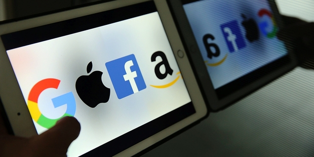 Administrația Trump se gândește să investigheze Google, Amazon, Facebook și Apple