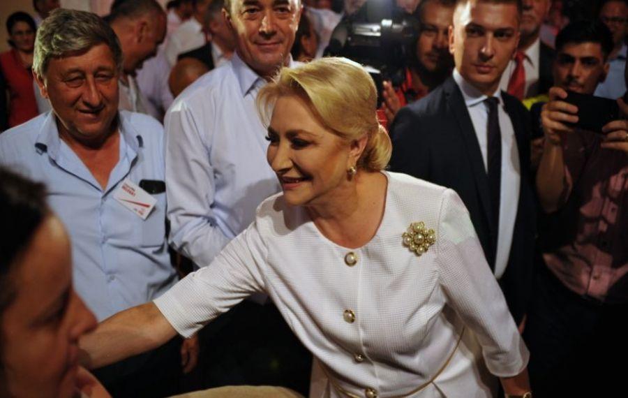 """Manipulare într-o scrisoare electorală semnată de Dăncilă: """"Să nu stea cu teama că Iohannis și ai lui îi vor lua și ultimii bani"""""""