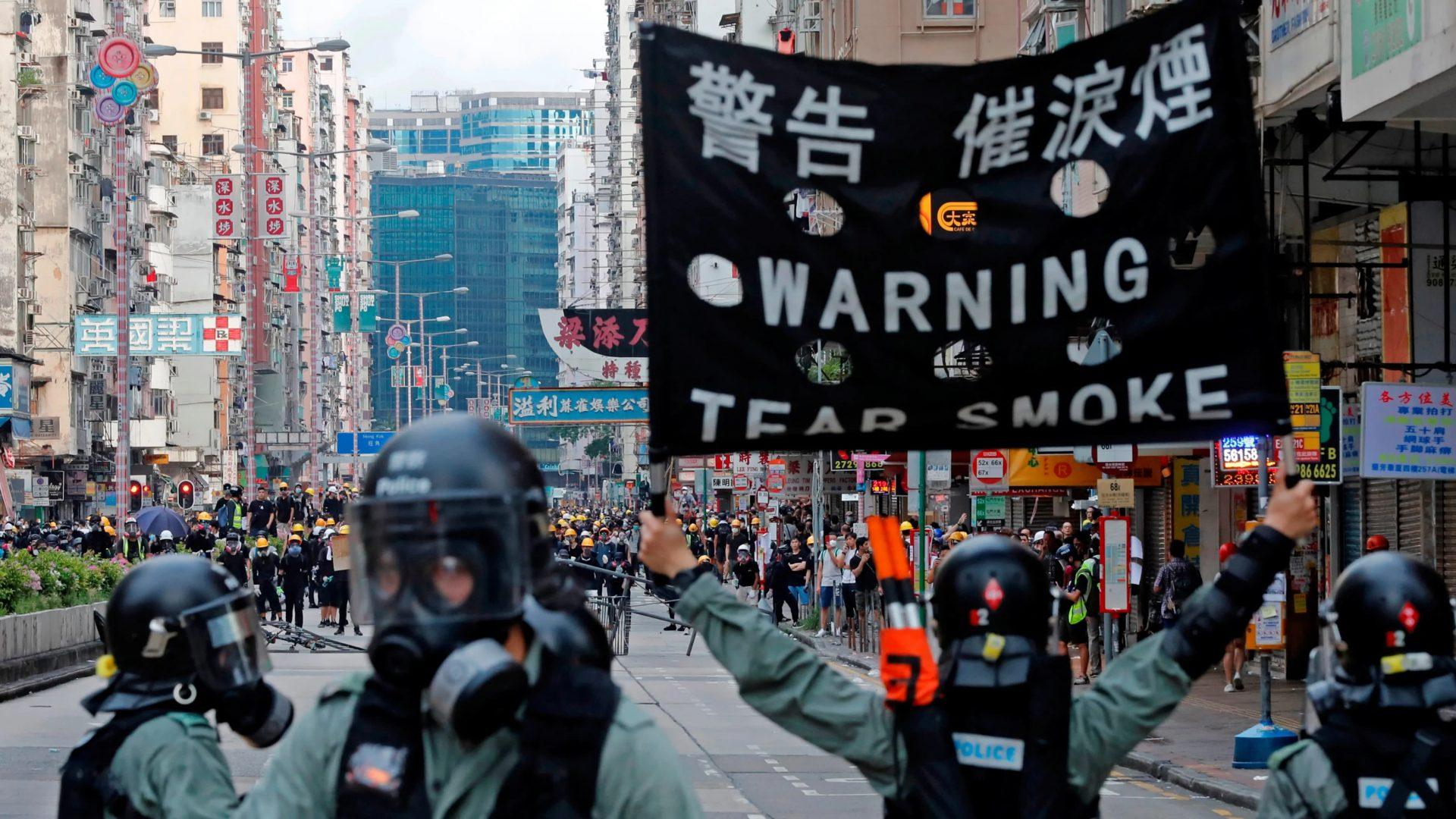 Efectul fake news în Hong Kong: amplifică frica, ura și confuzia în rândul rezidenților