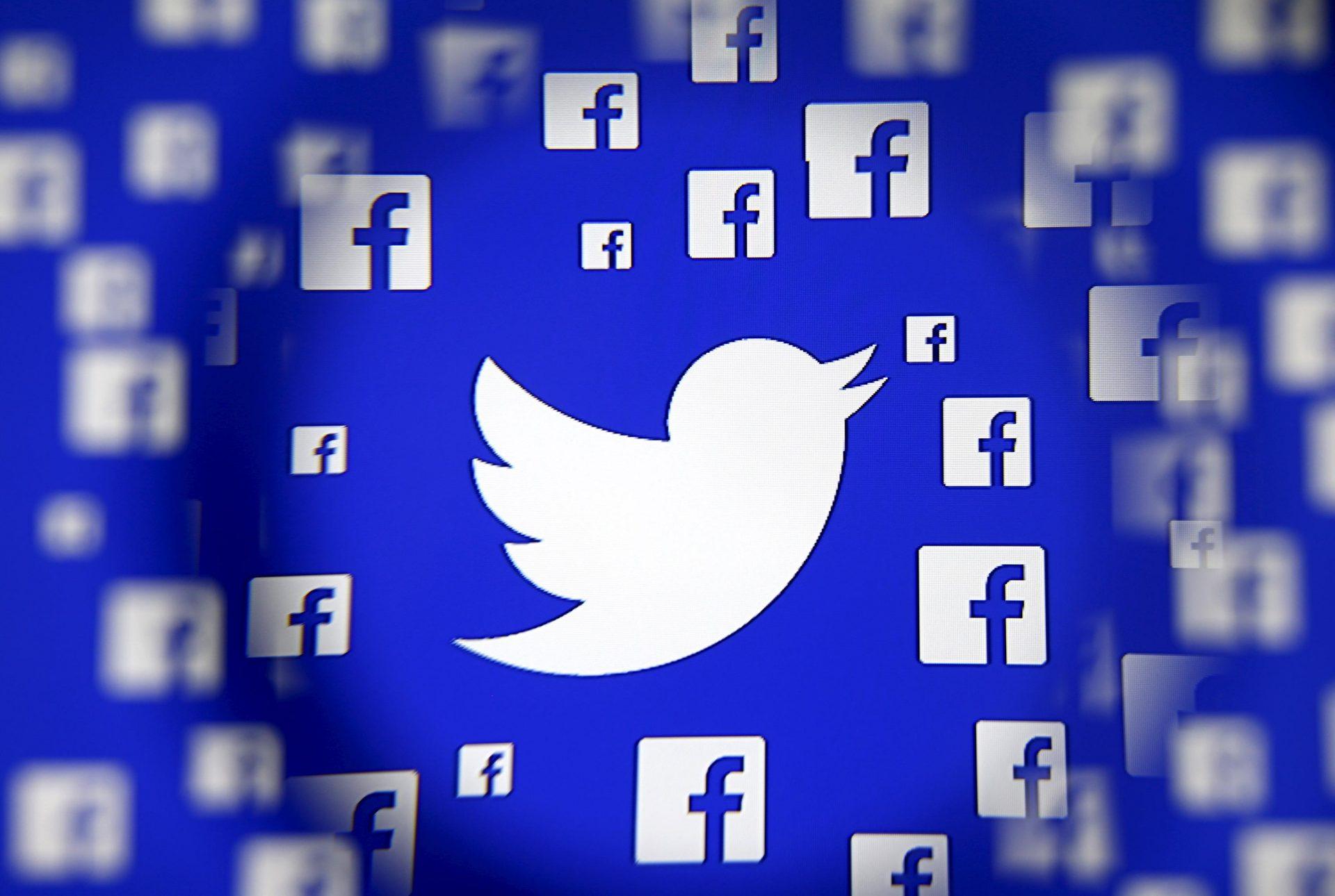Dezvoltatorii unor aplicații colectează datele utilizatorilor. Facebook și Twitter, implicate în controversă