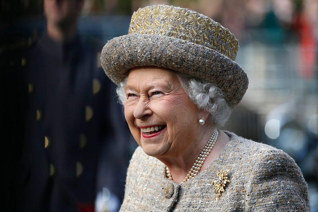 Regina Marii Britanii caută om pentru conturile sale de social media. Ce salariu oferă monarhul britanic viitorului angajat