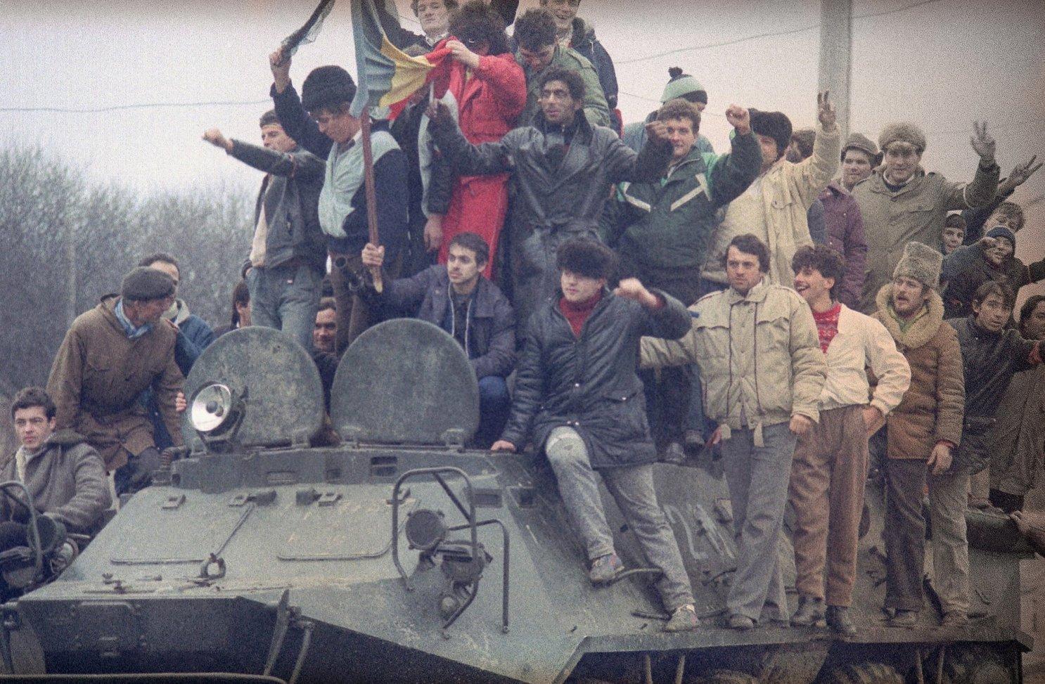 Jurnaliștii și Revoluția din 1989. Poveștile ziariștilor care s-au sacrificat pentru prezentarea adevărului
