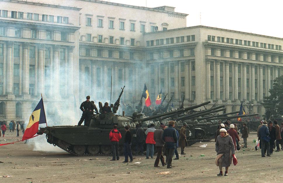 Editiadedimineata.ro: 30 de ani de la Revoluție. Este România pregătită pentru un dialog între generații?