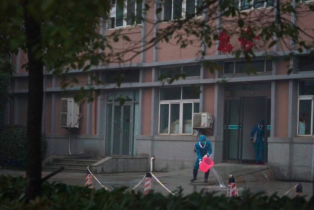 """Cum vede presa din România epidemia din China. Între informarea echilibrată și """"apocalipsă"""""""