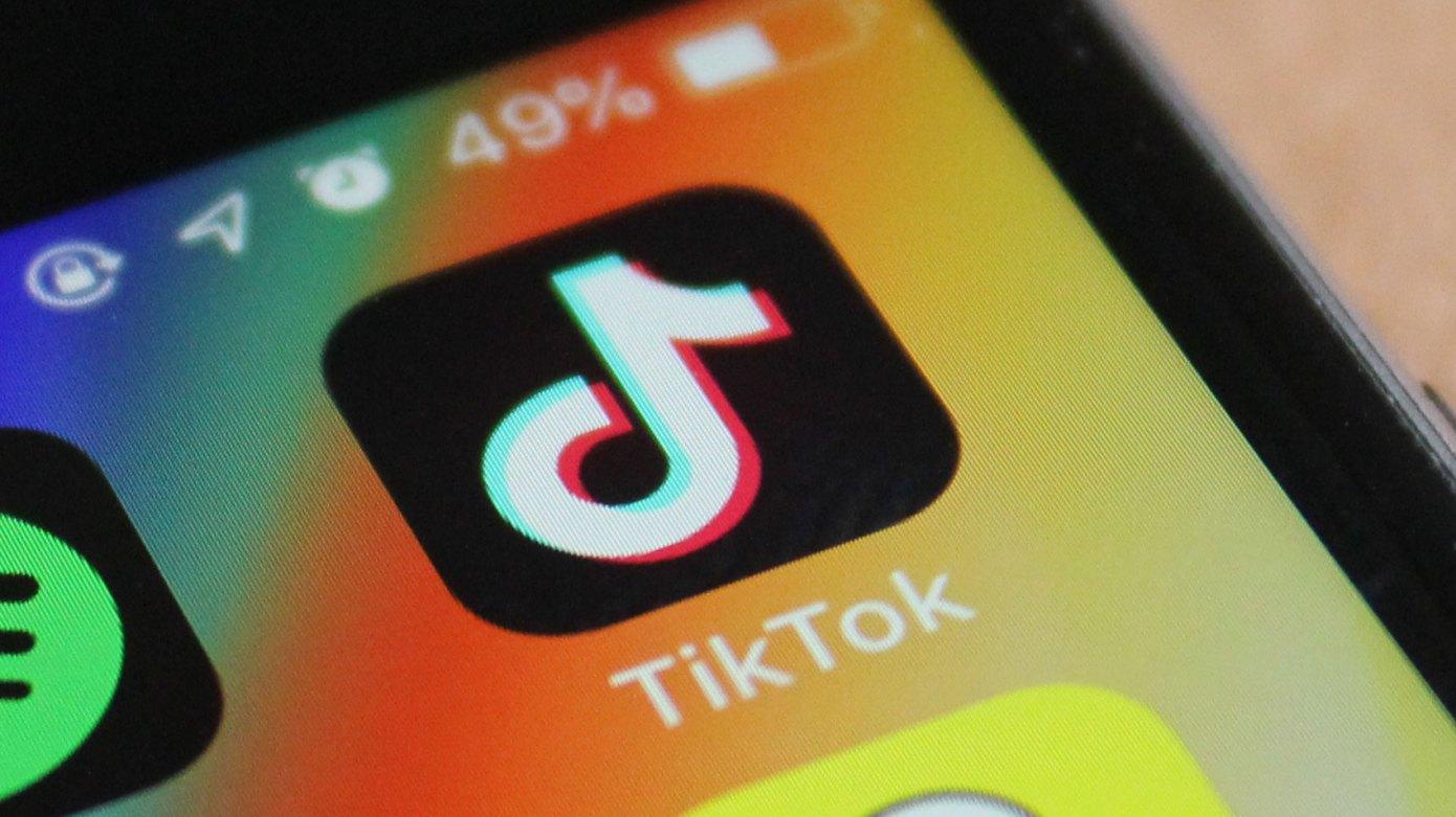 TikTok ar putea facilita accesul oricărui utilizator la deepfake