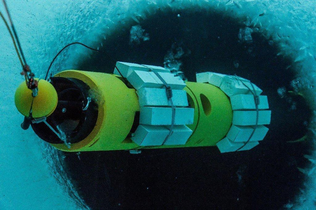 Editiadedimineata.ro: Moment istoric pentru tehnologie. Un submarin autonom a filmat pentru prima oară baza unui gheţar