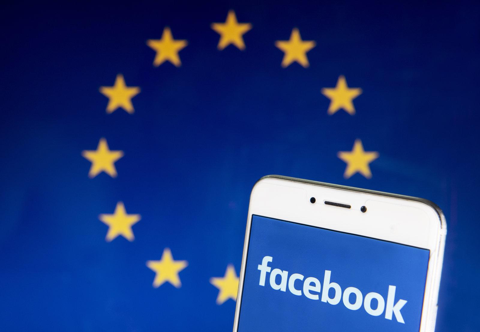 Facebook vrea să decidă cum sunt reglementate platformele de social media. UE îi zice nu