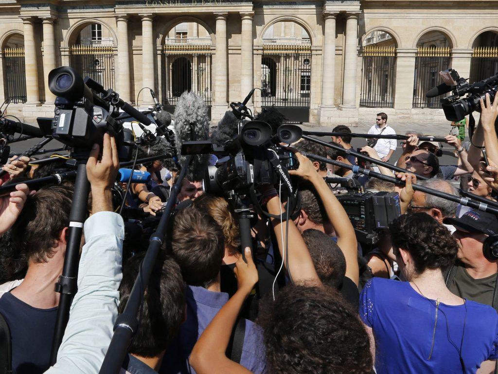 Jurnaliștii acreditați la Parlament vor fi testați pentru coronavirus, după ce un senator a fost testat pozitiv
