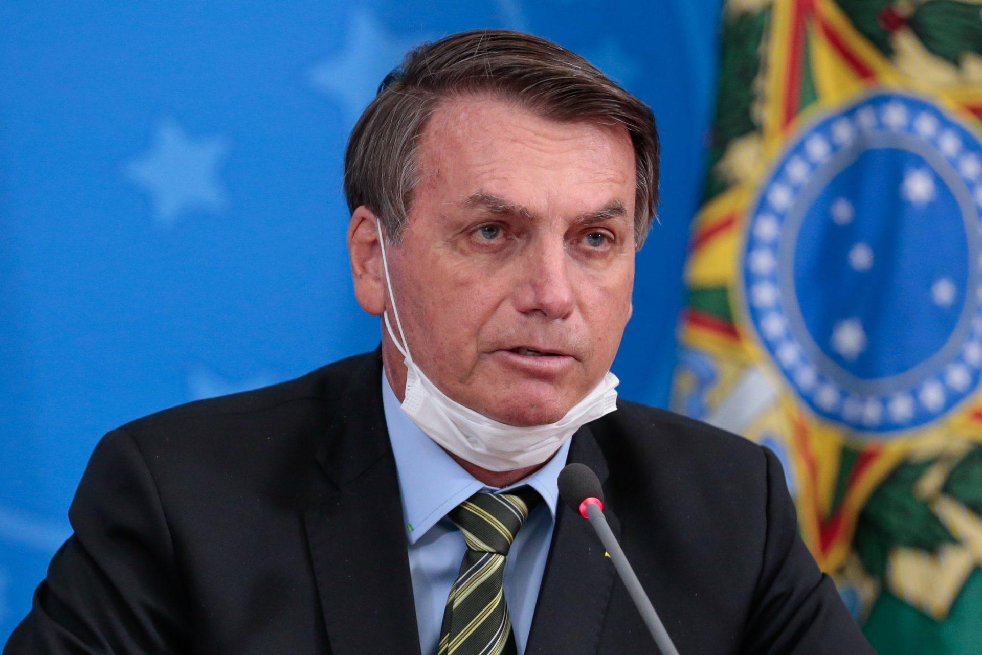 Facebook și Instagram au hotărât eliminarea videoclipurilor cu președintele brazilian, Jair Bolsonaro