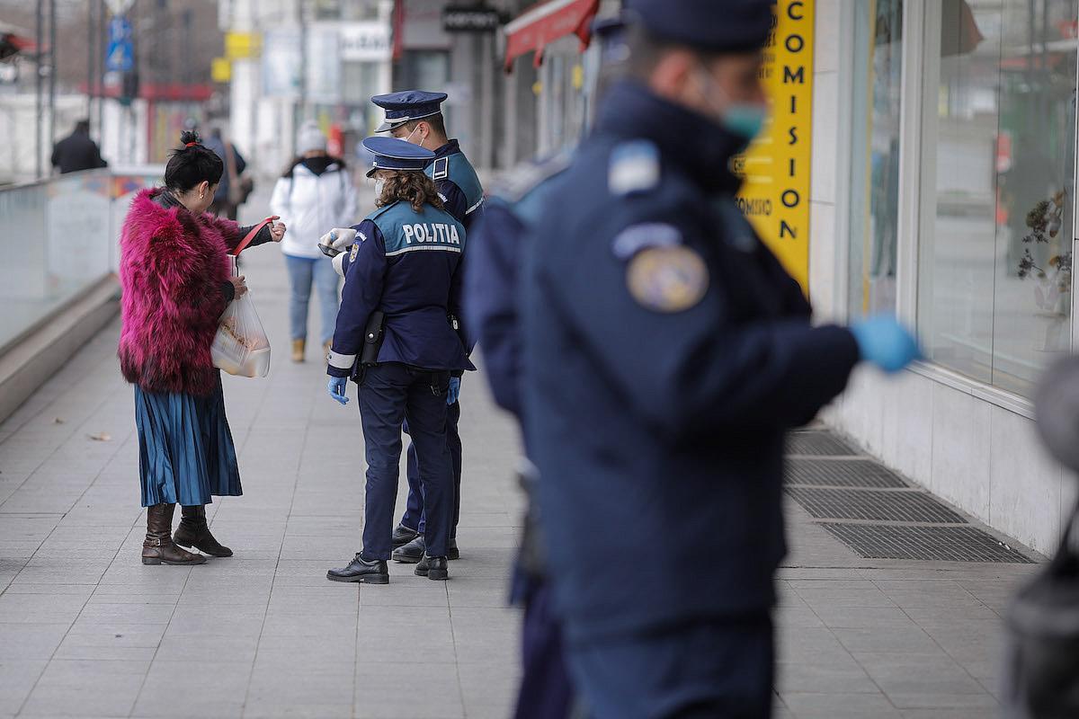 Autoritățile au simplificat declarația pe proprie răspundere, necesară ieșirii din casă