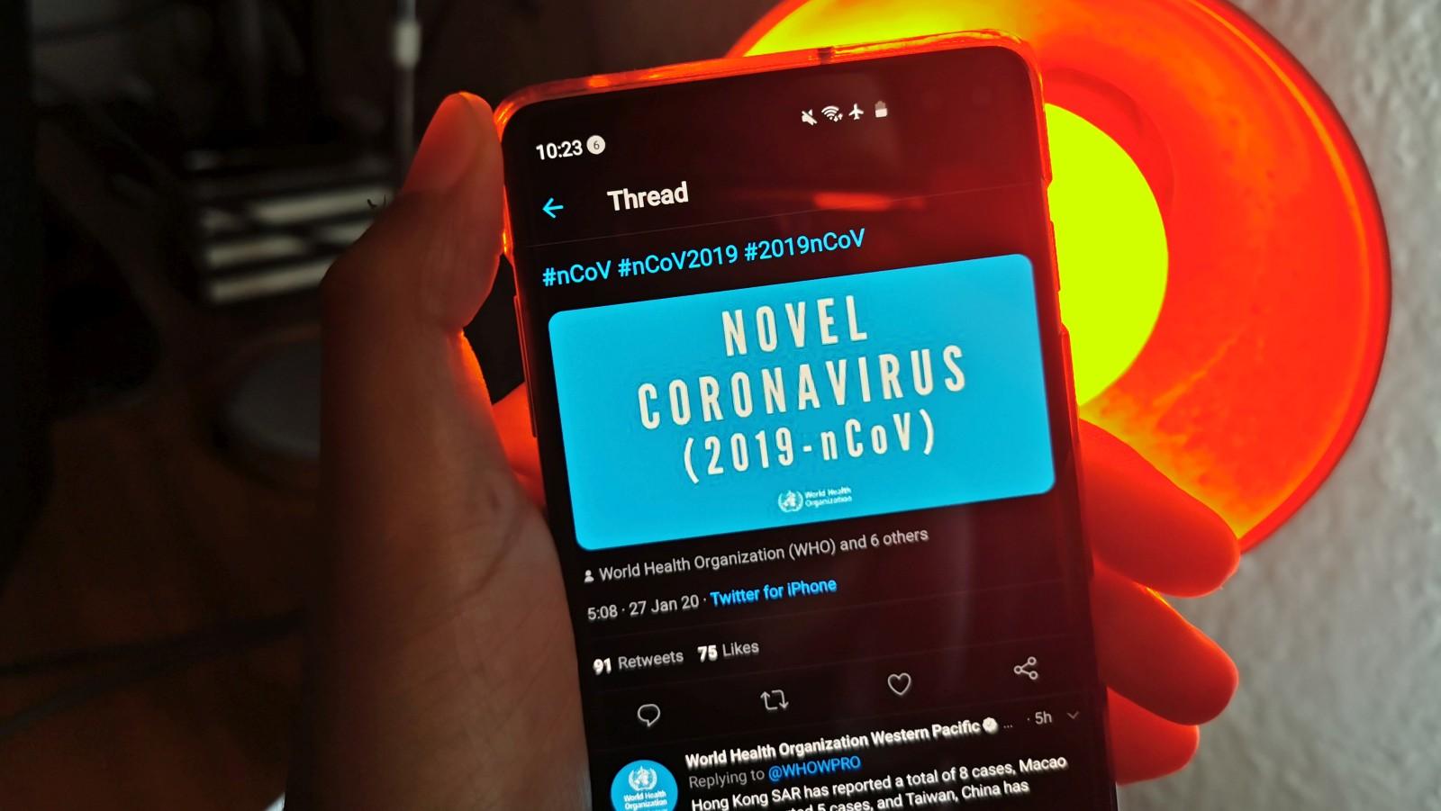 Măsurile luate de Twitter pentru a opri dezinformarea despre coronavirus sunt insuficiente