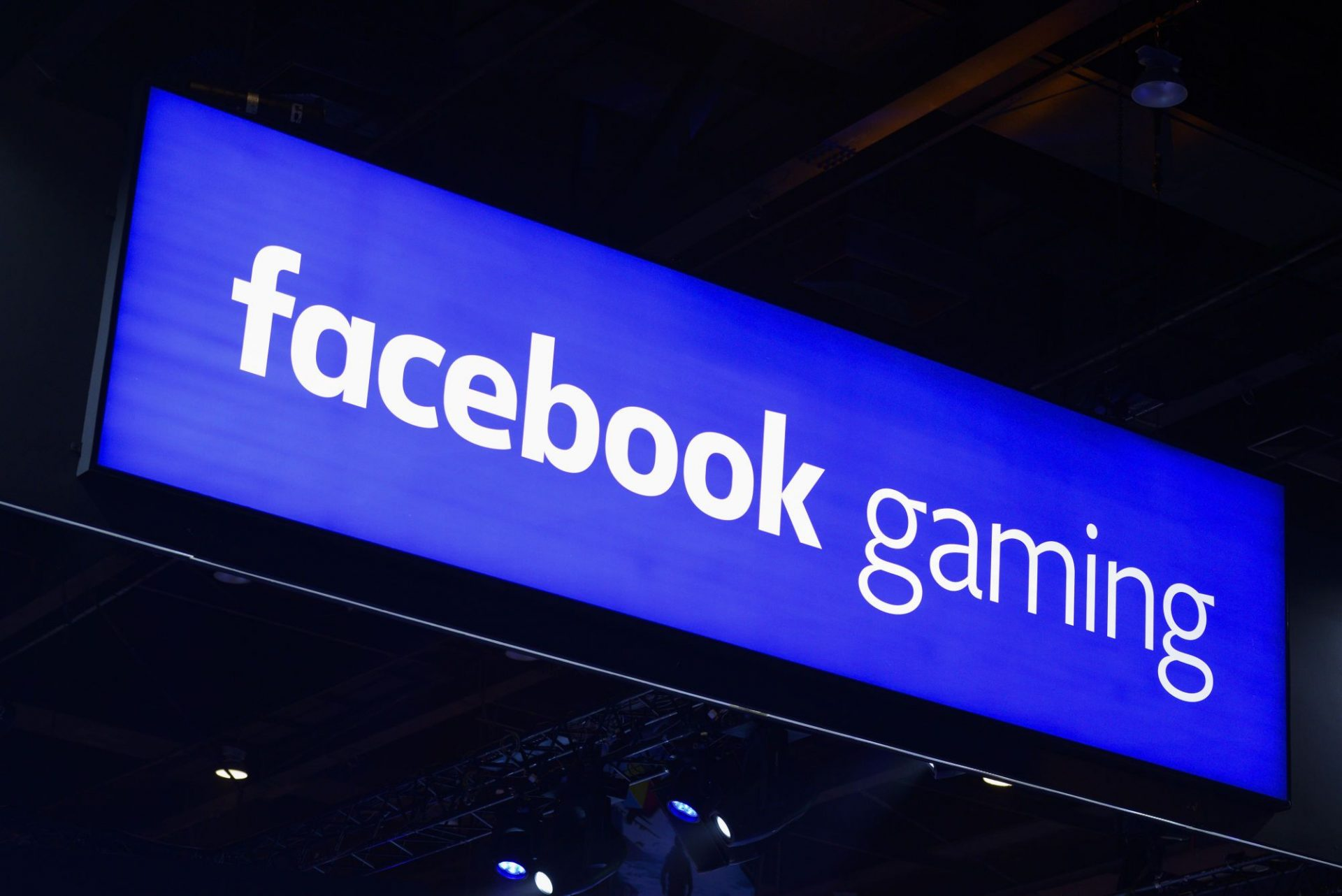 Facebook intră pe piața de gaming: o nouă aplicație va face competiție Twitch și YouTube