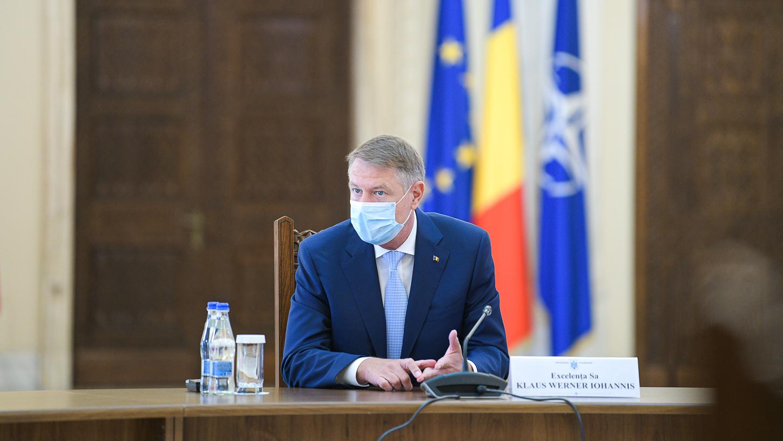 """Iohannis: """"După 15 mai vom putea să ne deplasăm fără declarații. Până atunci, stați acasă!"""""""