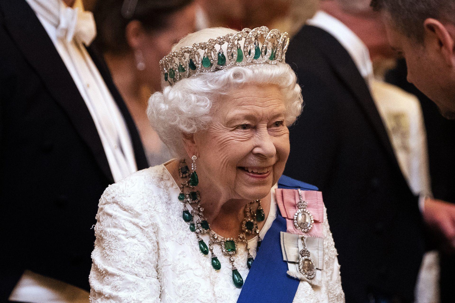 Regina Elisabeta a Marii Britanii, victima unui fake news apărut în Nigeria