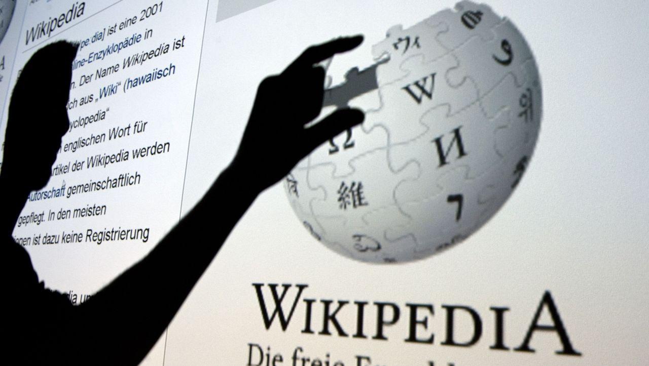 """Wikipedia va adopta noi reguli împotriva """"comportamentului toxic"""" al unora dintre editori"""