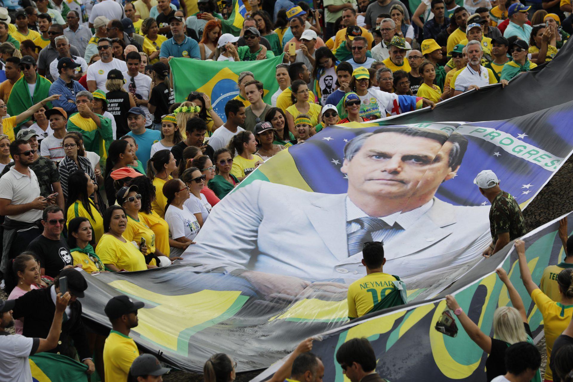 Descinderi la locuințele susținătorilor lui Bolsonaro, într-o investigație privind o rețea de fake news