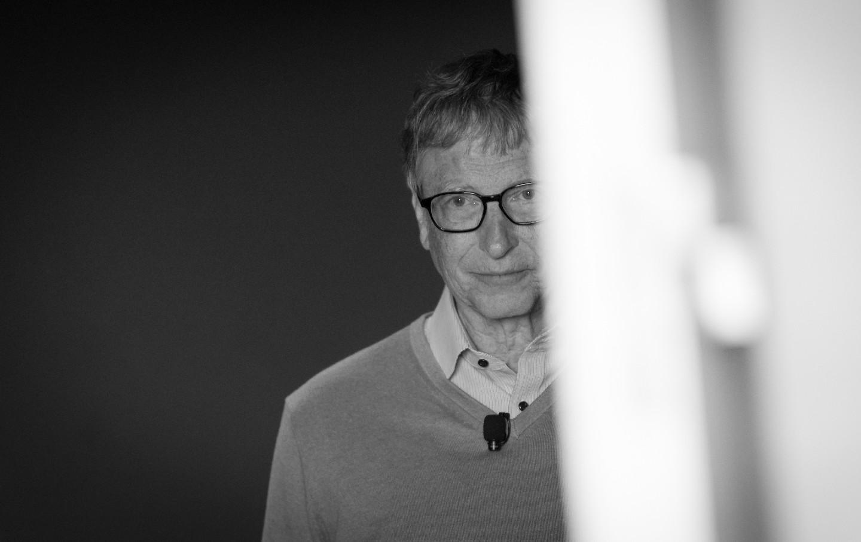 O glumă australiană care a ajuns fake news românesc: arestarea lui Bill Gates