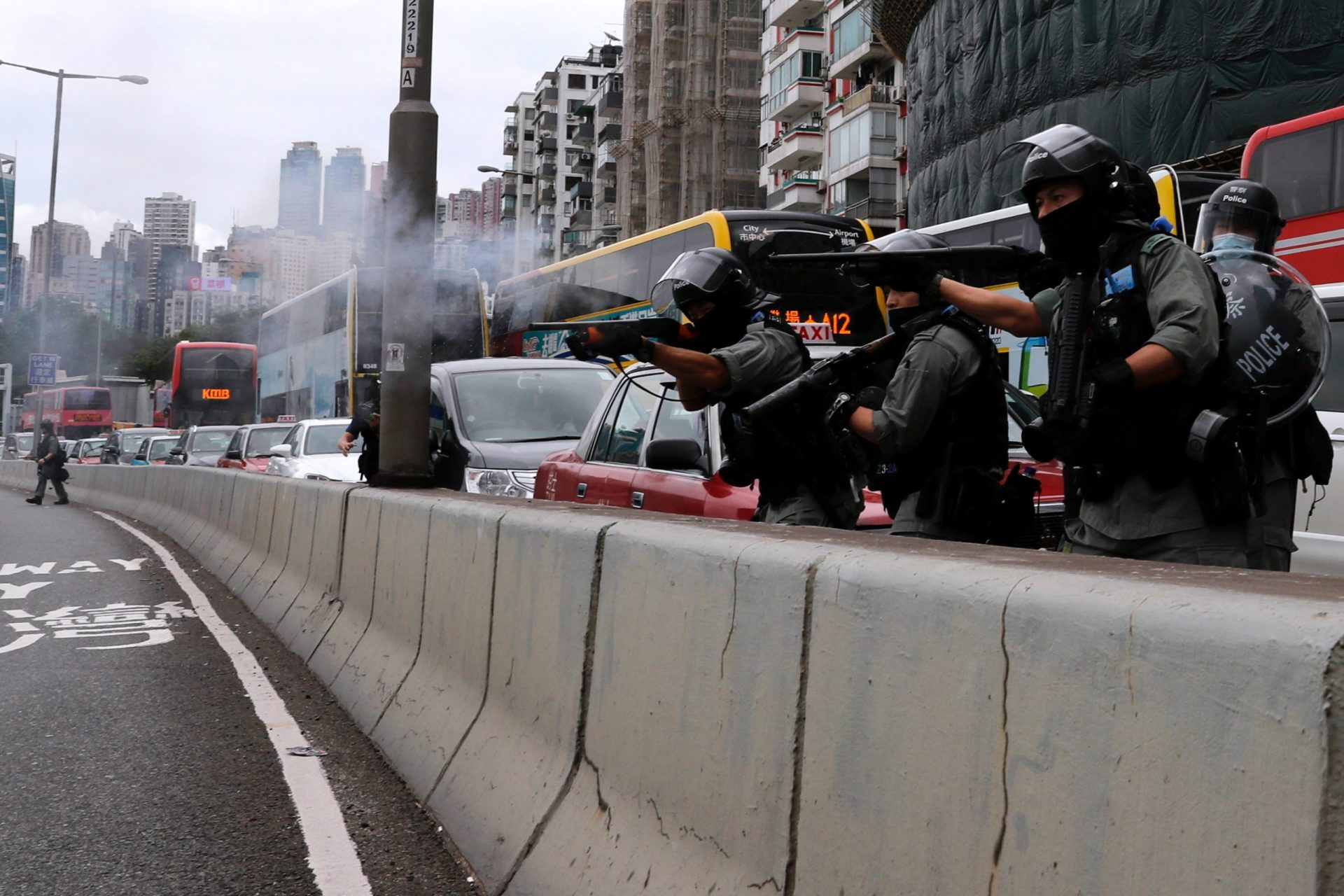 """China încearcă să înainteze o lege """"anti-terorism"""" pentru a stopa protestele din Hong Kong"""