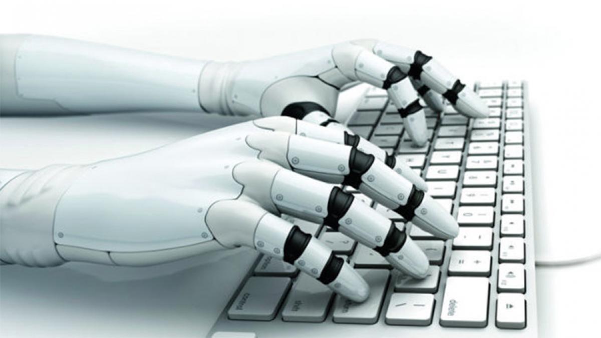 """Inteligența artificială în mass-media: pot """"roboții"""" să înlocuiască complet jurnaliștii?"""