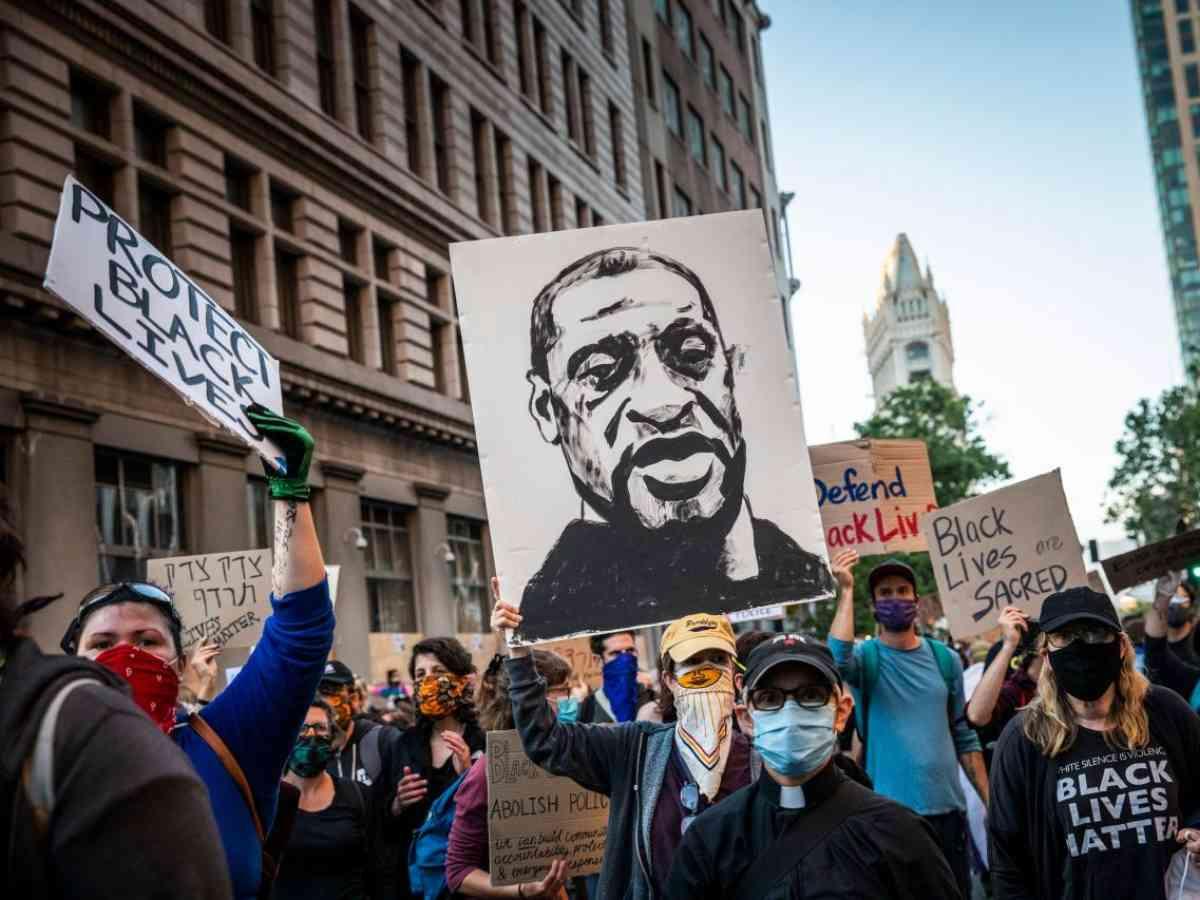 """""""Provocarea George Floyd"""" ar putea fi o nouă tentativă de manipulare a publicului"""
