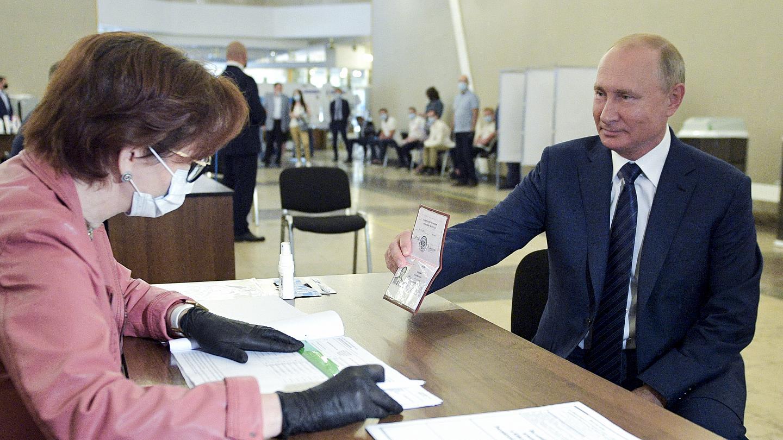 Rezultatele referendumului care i-ar permite lui Putin să rămână președinte până în 2036, publicate cu cinci ore înainte de închiderea urnelor