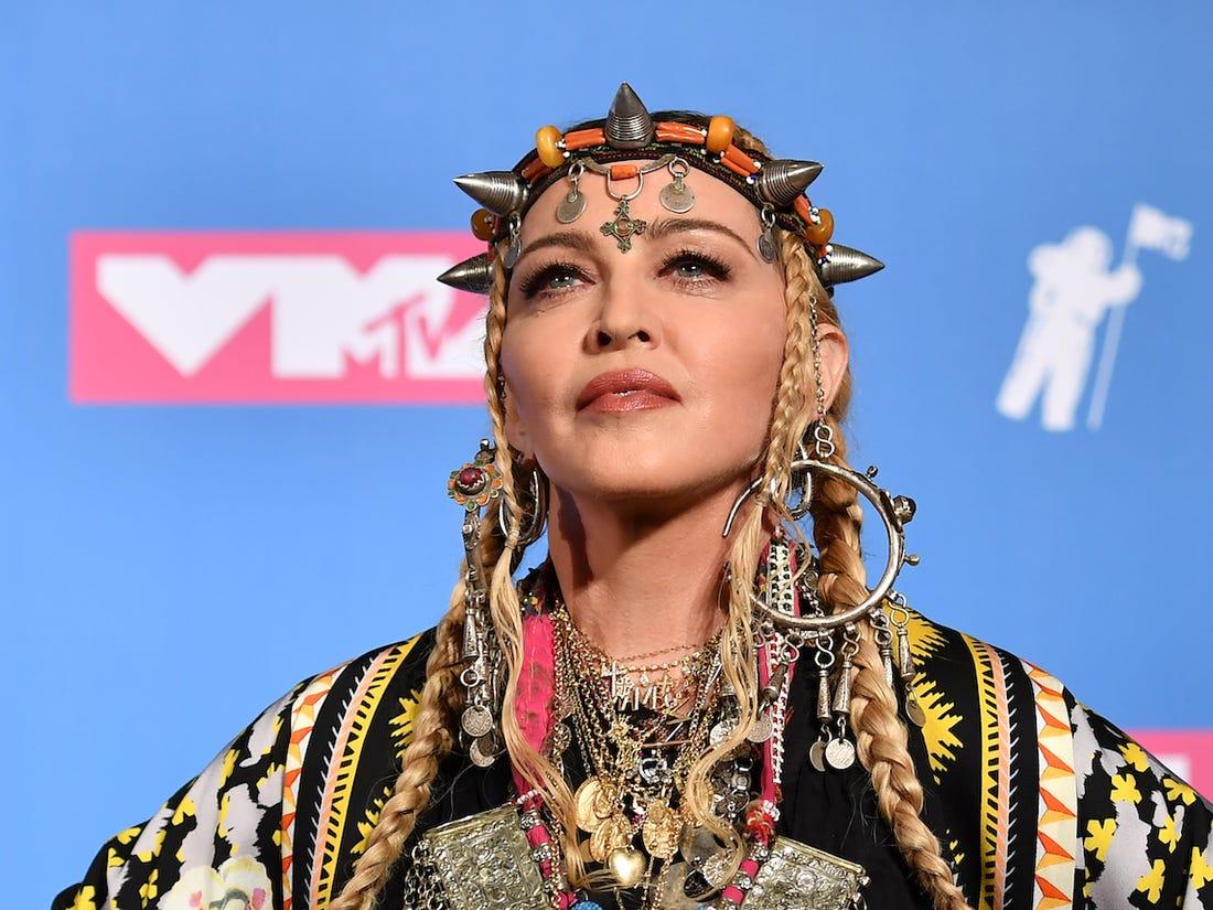 Contul de Instagram al Madonnei, marcat pentru dezinformare. Artista a distribuit un video conspiraţionist