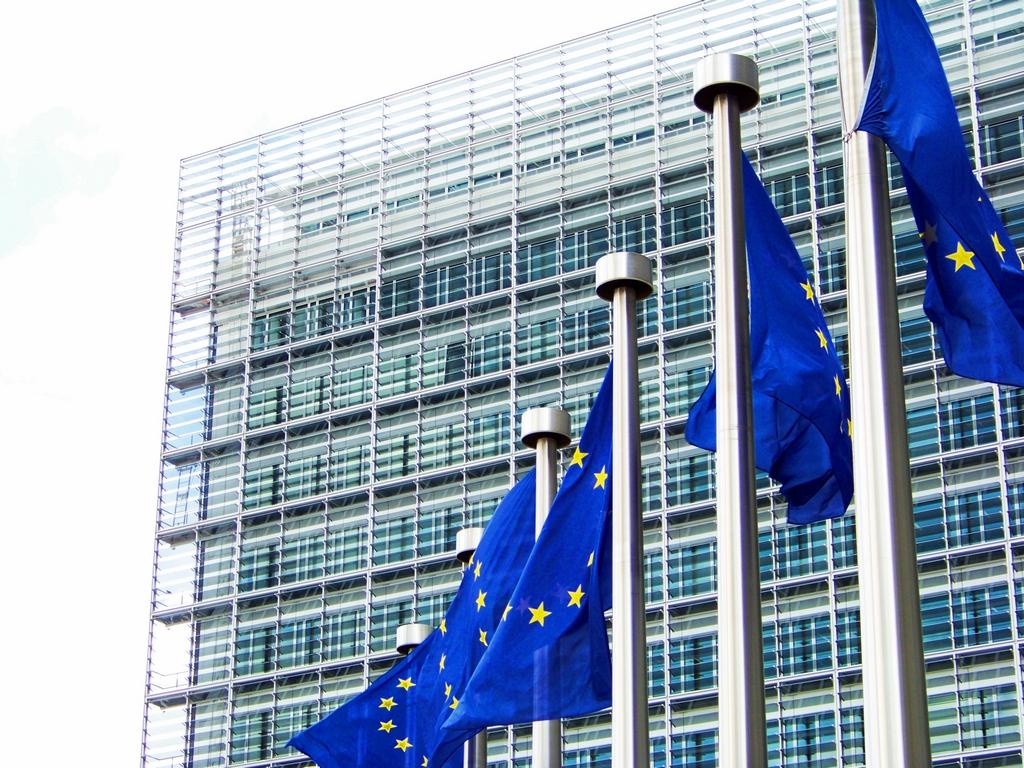 Comisia Europeană ia atitudine împotriva dezinformării: 9 milioane de euro pentru crearea unor centre naționale de verificare a informațiilor