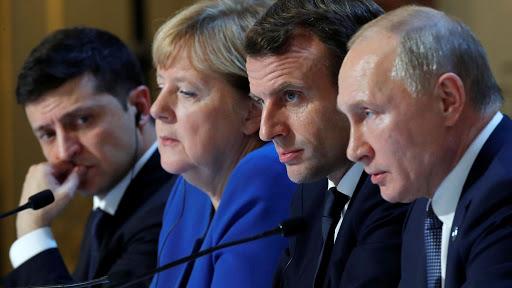 Putin și Zelensky au discutat despre armistiţiul care ar urma să pună capăt conflictului din estul Ucrainei